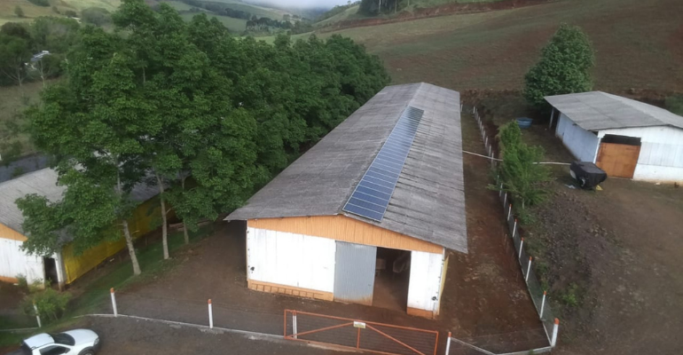Empresário rural adquire sistema de energia solar através do Pronaf.png