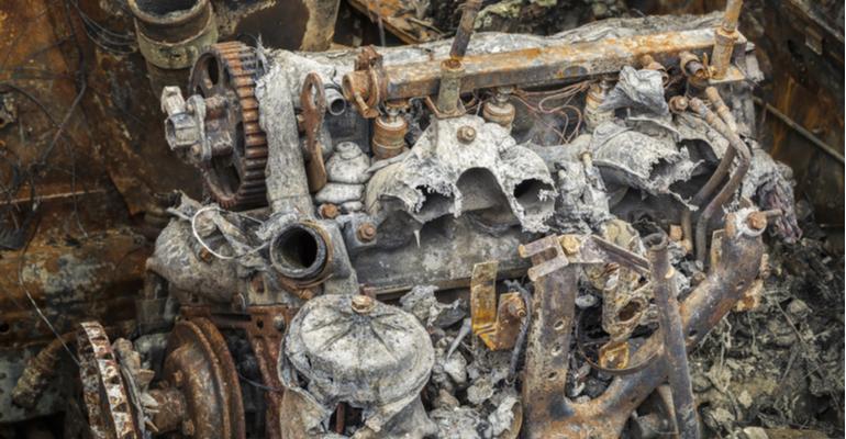 Fungos e bactérias vão estragar o motor do seu trator! .jpg