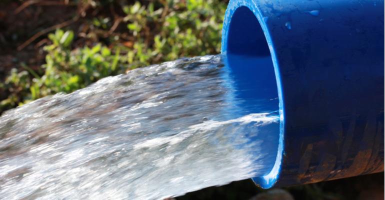 Água encanada ao gado aumento do peso médio diário de peso do rebanho.png