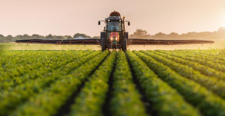 Comprar ou alugar máquinas agrícolas, qual a melhor opção?